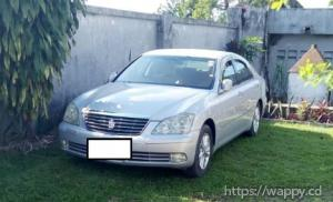 TOYOTA CROWN Royalsaloon