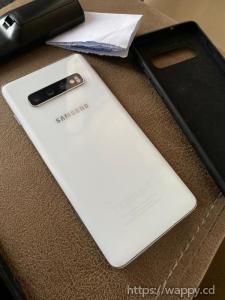 Samsung S10 128Gb de stockage et 8Gb de ram