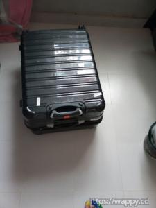 Grande valise noire