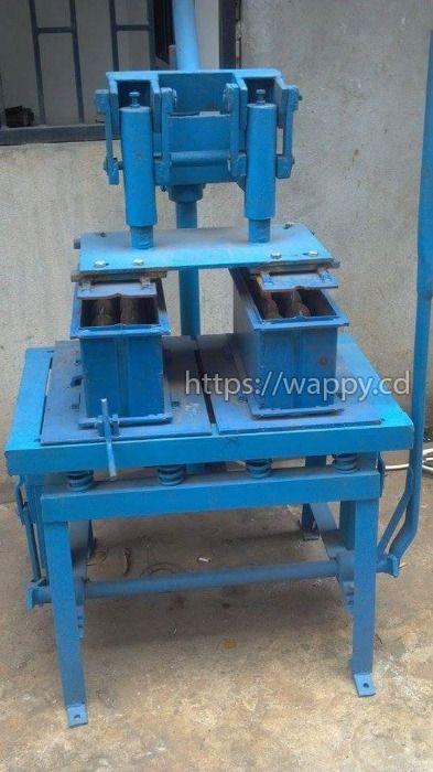 Machine de production de brique