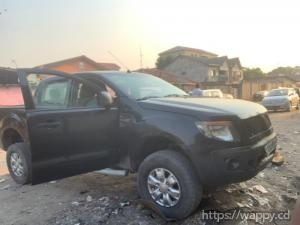 Pick-up Ford avec moteur hiluxe