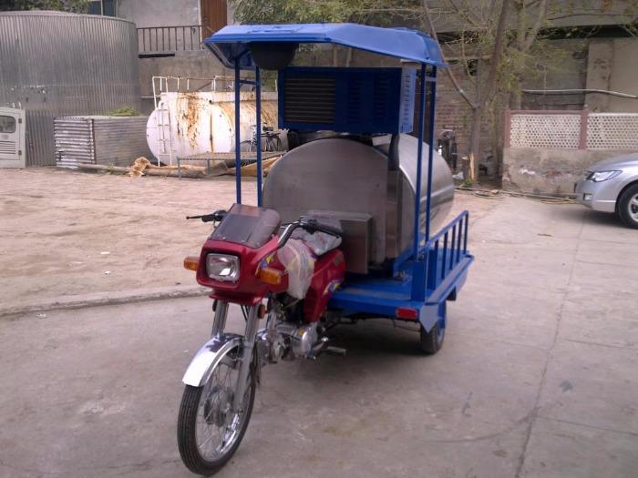 Tank à lait tricycle