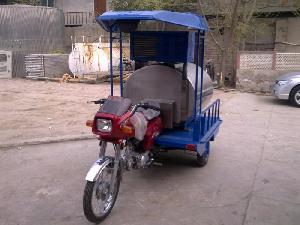 Tank à lait tricycle