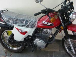 Moto TOYO DT 125